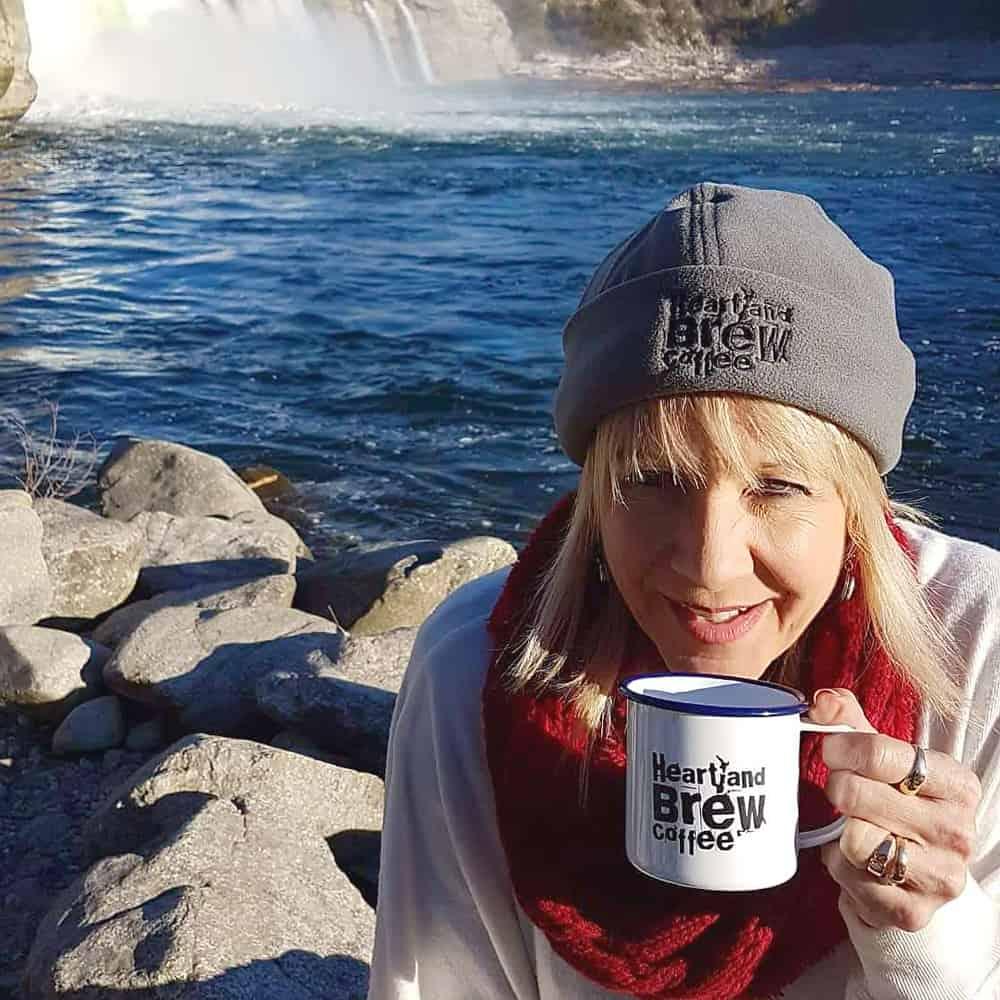 heratland_brew_mug_and_hat